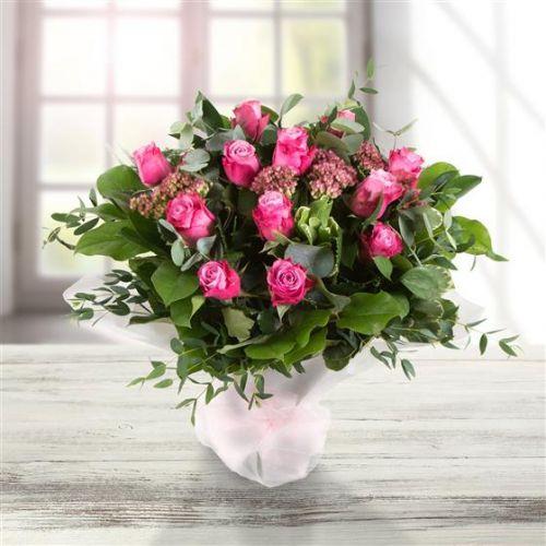 Classic Pink Dozen Roses