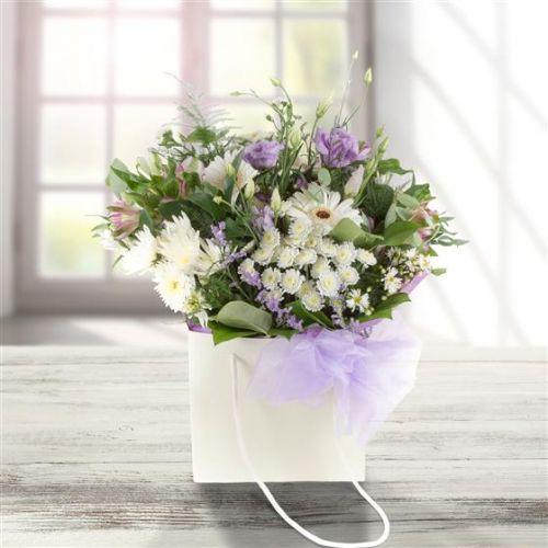 White & Lilac Gift Bag